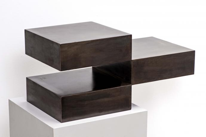 Stephan Siebers, Cube in three pieces, Stahl patiniert, 60 x 30 x 30 cm, seitlich